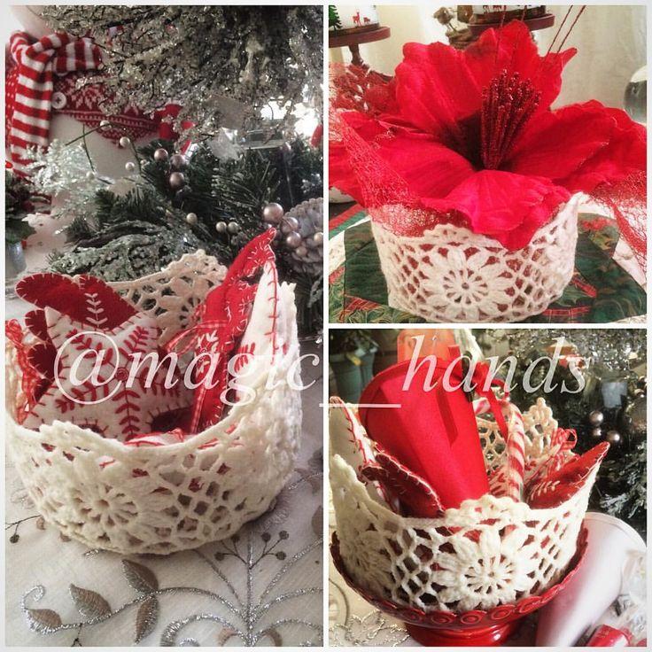 """Instagram'da @magic__hands: """"Sevgili Fulya Kement @mucizeleratolyesibostanci katılmış olduğum workshop dan sihirli örgü sepetlerimden bir tanesi devamı var rengarenk yaptımm halada örüyorum✌️☺️ tavsiye ederim. Sevgilerimle #crochet #crocheting #crochetlove #handmade #handmadewithlove #örgü #örgüsepet #örgüsupla #örgümüseviyorum #tığişi #crochetersofinstagram #crochetaddict #örgümüseviyorum"""""""