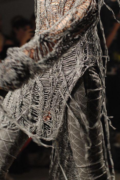 details, fall-winter 2010 • gareth pugh: Runway Fashion, Fall Wint 2010, Experiment Knitwear, Gareth Pugh 2010, Fashion Inspiration, Dark Design, Grey Texture, Fall 2010, Fallwint 2010