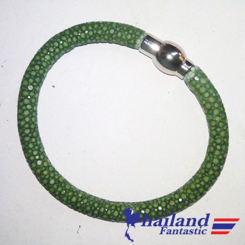 Green Fashion Jewelry Genuine Refined Bangle Stingray Leather Skin Bracelet  Price:US $22.99  http://www.ebay.com/itm/161858697280  #ebay #paypal #Thailandfantastic #Green #Fashion #Jewelry #Genuine #Refined #Bangle #Stingray #Leather #Skin #Bracelet