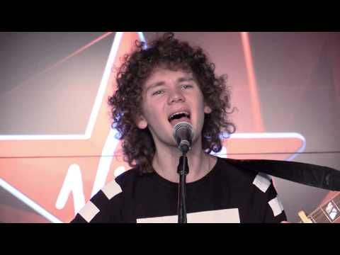 Francesco Yates performs 'Better To Be Loved'