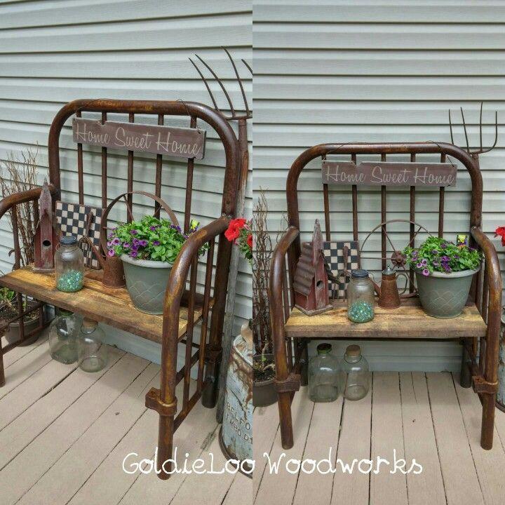 Sitzbank von meinem Ehemann aus einem alten Eisenbett. Liebe, wie es sich herausstellte. www.goldielo