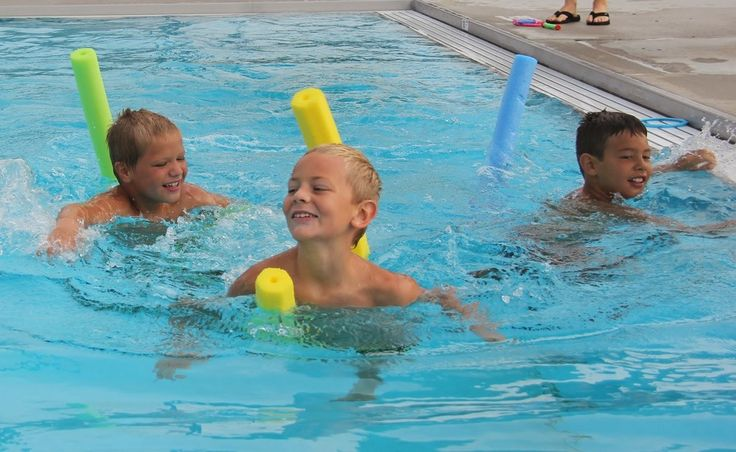 Creative pool games for kids: Pool noodle swimming races for kids | Photo via Village of Exeter