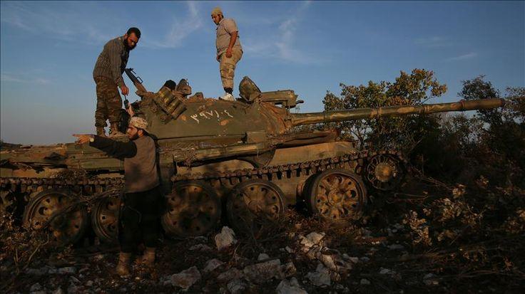 Rezim Asad kehilangan wilayahnya di barat laut Suriah  HATAY (Arrahmah.com) - Kelompok oposisi bersenjata Suriah pada Senin (10/10/2016) menguasai desa dan bukit-bukit di sekitarnya dari tangan rezim Asad di pedesaan provinsi barat laut Suriah Latakia menurut Asosiasi Turki di Suriah.  Menurut informasi yang diberikan oleh kelompok dan sumber-sumber lokal lainnya kekutan pasukan oposisi berhasil merebut desa Nahshaba dan bukit-bukit terdekat dari Telal Rasha Al-Burkan Al-Dabbabat dan…