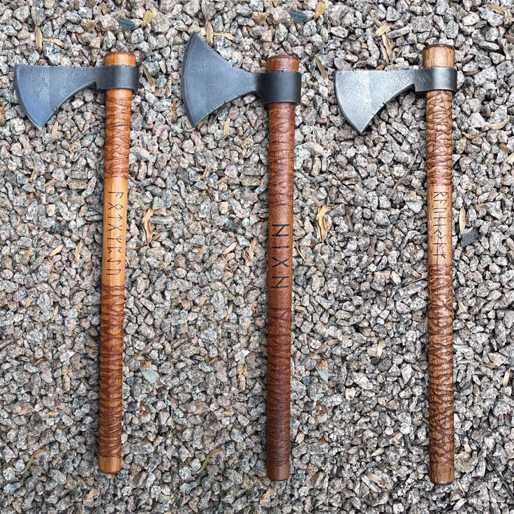 Choose From Either Norse Hawk Or Frontier Hawk Blade Design, With The Full  Sköll