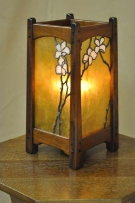 I Need This Greene And Greene Craftsman Table Lamp Now!