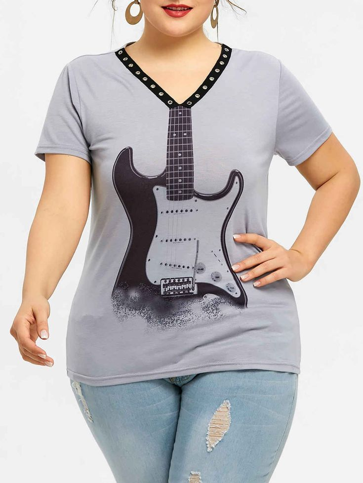 Plus Size Violin Print V Neck T-shirt. Color: gray Price: 12$ (50% off) This casual short-sleeved tee features a contrast V-neckline with grommet embellished which creates a punk style, violin pattern which subtly connects with the end of V-neck, as well as a fitted silhouette. Pair it with distressed jeans for a trendy street look. #fashionbloggers #Novababe #model #plussize #plussizefashion  #trending