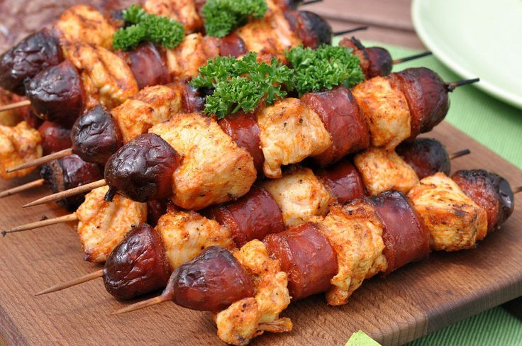 Herzhafte Chicken-Chorizo-Spieße