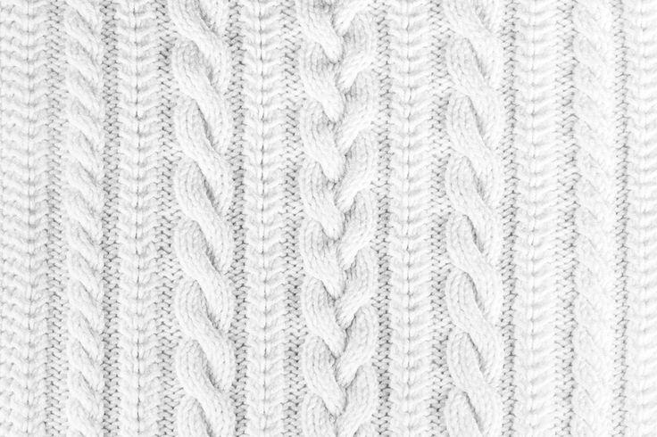 WonderBra's W2483 style is perfect for spending some quality time, wrapped up in your favourite sweater! //////////////////////////////////////////////////  Le modèle W2483 de WonderBra: parfait pour passer un moment de qualité, emmitouflée dans votre chandail préféré!
