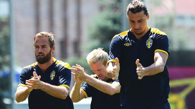 (L-R) Olof Mellberg, Christian Wilhelmsson and Zlatan Ibrahimović of Sweden take part in a training session ahead of their UEFA EURO 2012 Group D match against France