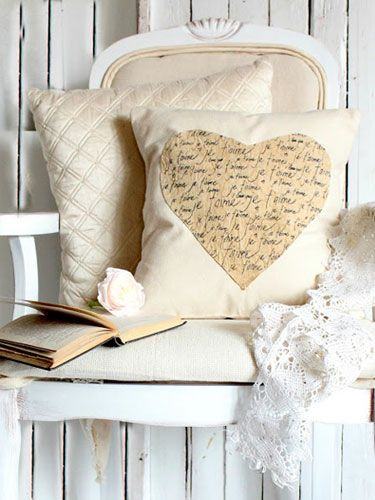 This vintage heart pillow took less than 30 minutes to make. The best part? It can stay up year-round!