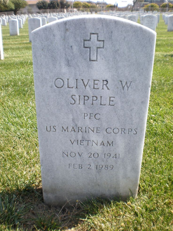 TIL of Oliver Sipple a gay marine who saved President Gerald Ford in an assassination attempt but was then publicly outed as gay causing him to become estranged from his family drink heavily gain 300 pounds (140 kilograms) and finally die at the age of just 47.