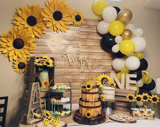 Set Of 3 Large Paper Sunflowers Or Daisies Backdrop Wall