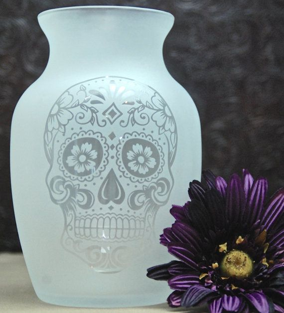 Fully Glass Etched Vase with Sugar Skull, Day of the Dead, Sandblasted Glass, Etched Glass Gifts, Custom Glass Etching, Unique Glass Vase, 1