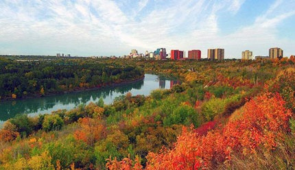 "The 48-kilometre long city stretch of the North Saskatchewan River Valley has over 20 major parks and attractions. No wonder it's become known as the ""Ribbon of Green"". It is also the largest expanse of urban parkland in North America."