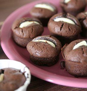 Petits gâteaux aux deux chocpolats, la recette d'Ôdélices : retrouvez les ingrédients, la préparation, des recettes similaires et des photos qui donnent envie !