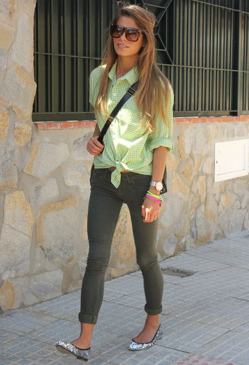 Love this! But with different shoes.: Fashion Clothing, Buttons Up, Fashion Outfits, Mint Shirts, Gray Jeans, Green Buttons, Limes Green, Buttons Down Shirts, Grey Skinny