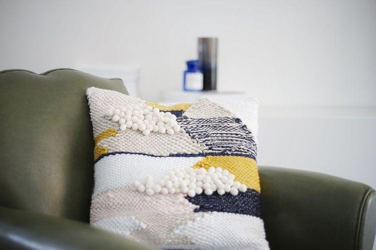 julierobert-tissage-weaving-coussin
