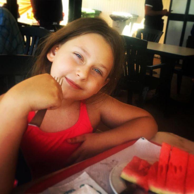 bella cocomerina!! Da oggi siamo in vacanza yeeeeee!!!     #instamood #fotoritratto #summervibes #makemoments #estate #summer #webstagram #igers #instagrammers #mylove #amoremio #anguria #watermelon #statigram #cocomero #featureacreature #lavitainunoscatto #ig_lazio #ig_italy #igaddicts #ig_italia #ig_europe #portrait #portraitpic #morninglikethis #liveautentic #livethelittlethings #nothingisordinary #thehappynow #livecolorfully