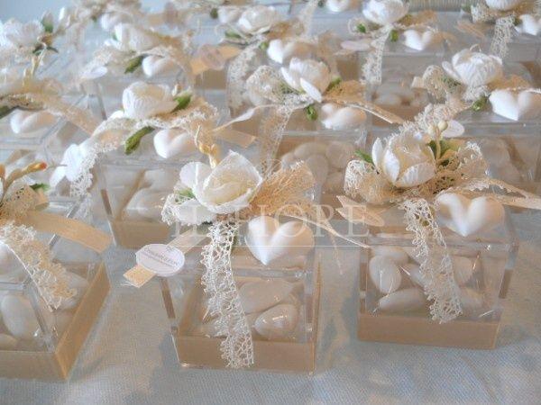 Scatola shabby chic matrimonio in plexiglass con fiore e gessetto profumato cod. 309E 310E
