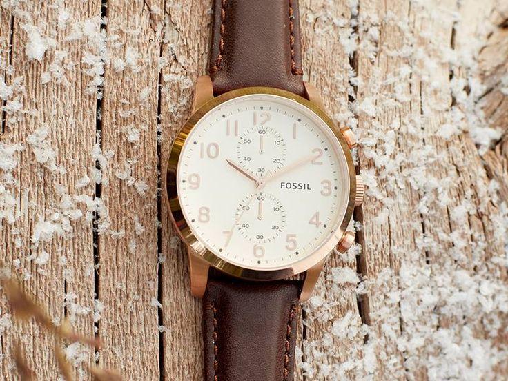 Fossil horloge | Klassiek Herenhorloge met lederen band en goudkleurig edelstalen kast | http://www.horlogesstyle.nl/fossil-horloges #fossil #herenhorloges #leder #klassiek
