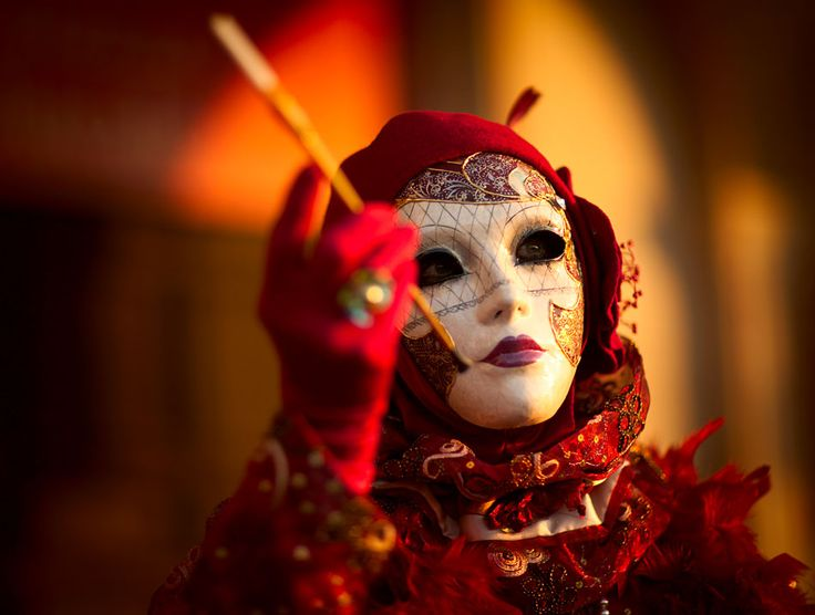 Masquerade: Moulin Rouge