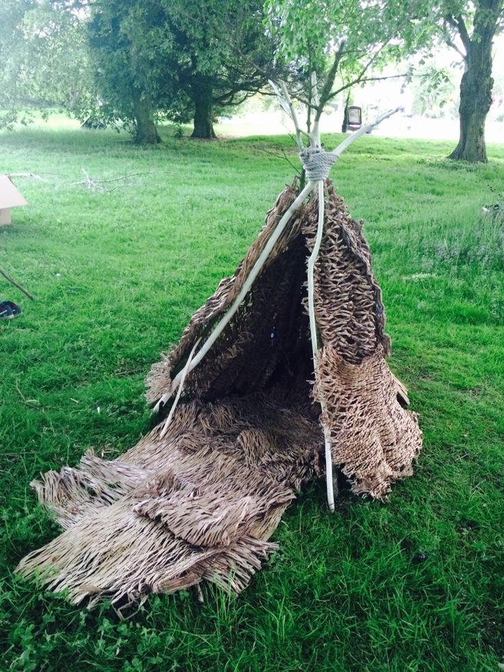 Den made with recycled packaging material