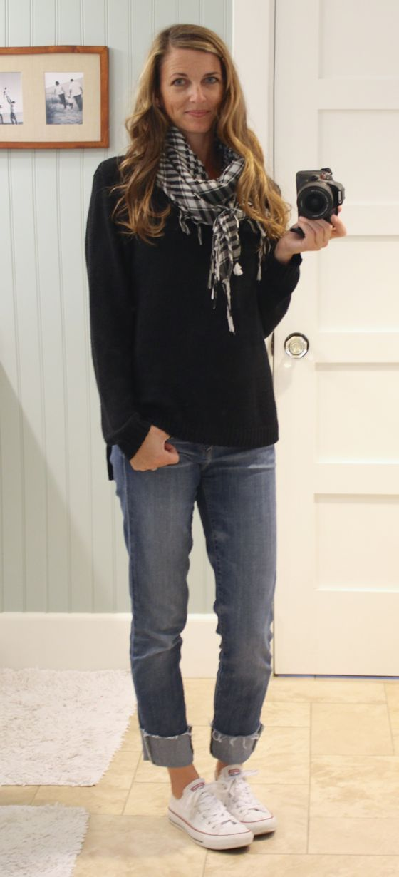 what i wore - stylish casual: oversize sweater, plaid scarf, cuffed jeans, converse