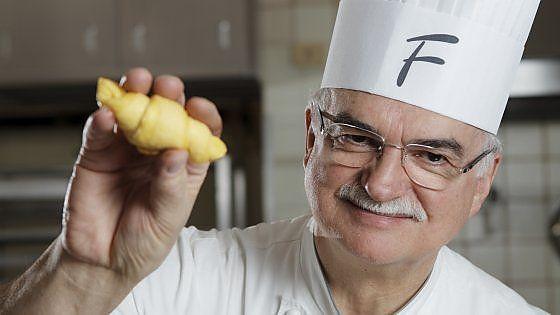 Il maestro pasticciere ha dedicato a questo prodotto alcune delle sue ricette più famose, sia complesse che semplici.