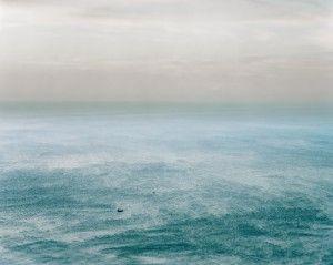 «[...]Les images [de Patrick Messina] entraînent dans un infiniment petit ou plongent dans un infiniment grand. La réalité, d'ordinaire proche et nette, est modifiée au profit d'une vision éthérée ; son sens bascule dans l'émotionnel....