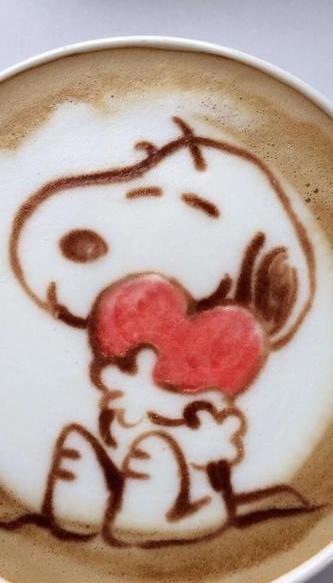 Snoopy Valentine Latte Art   twicsy.com