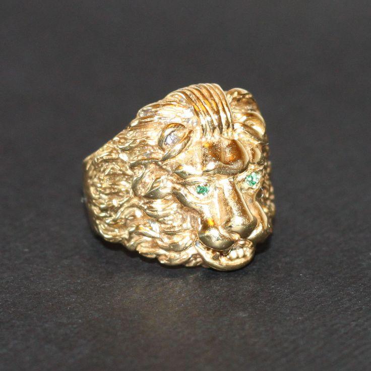 Anello Re Leone in Ottone placcato Oro e Smeraldi di LUCHILUXE su Etsy