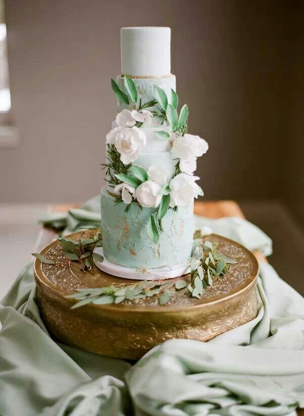 MInt Green Cake for rustic wedding