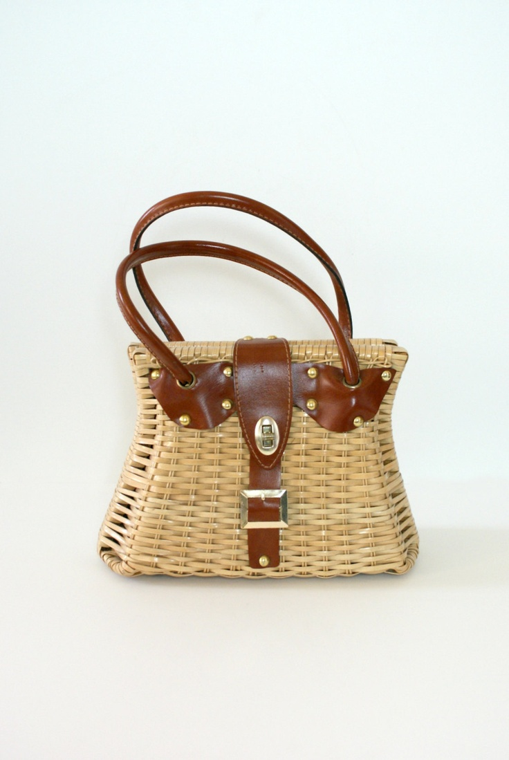 Cool summer straw bag. Vintage.  ***She actually had this purse....only it…