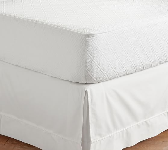 $149 Pottery Barn's Reeve Matelasse Daybed Mattress Cover, Twin, White.  Also sell bedskirt - Best 25+ Daybed Mattress Ideas On Pinterest Queen Size Daybed