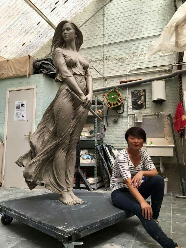 Sculpture by: Luo Li Rong