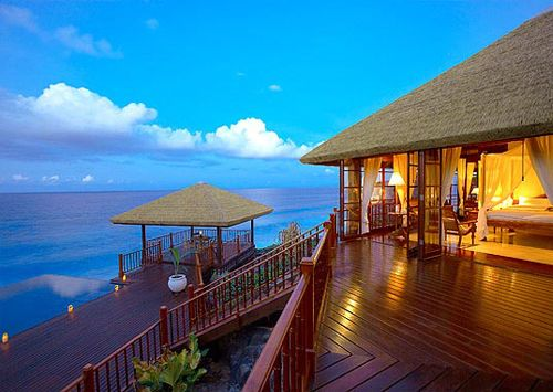 Best hotel in Seychelles and Seychelles Honeymoon Packages available at http://www.sunnsandvacation.com.Find perfect Seychelles Honeymoon Packages to suit everyone.