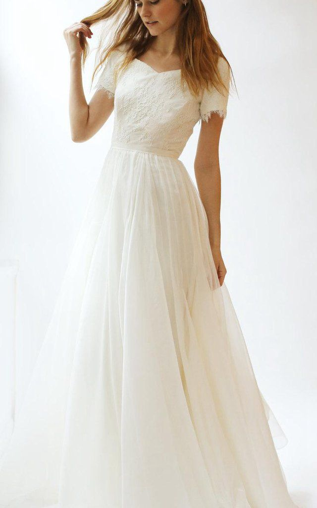 Short Sleeve V Neck A Line Lace And Tulle Dress With Pleats