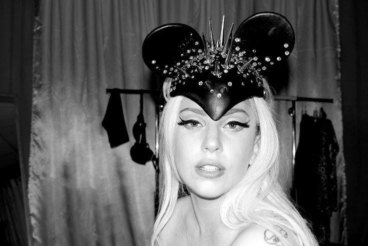 Diamond Stash: Lady Gaga wearing a Fiona Timantti headpiece!