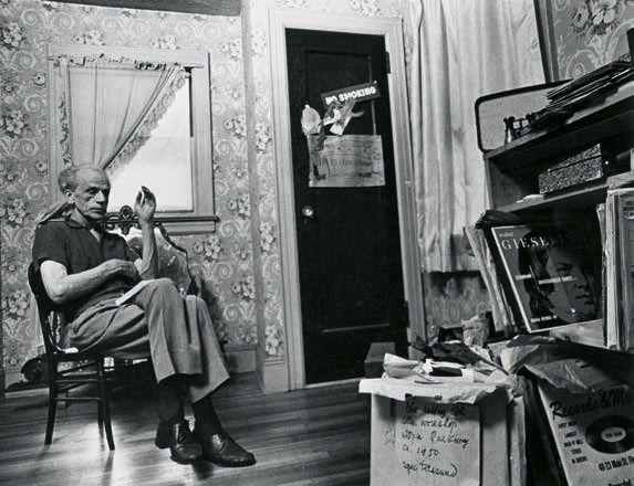 Hans Namuth. 'Joseph Cornell' 1969