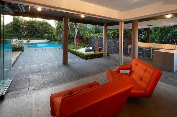 ♥ pool ausblick patio bereich im garten mit sitzmöbeln