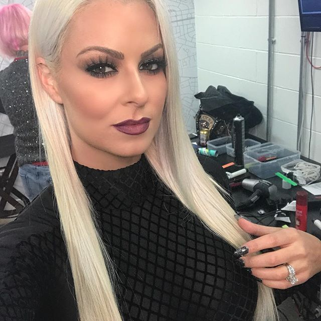 Glam by yours truly today for @wwe #smackdownlive 💄💕