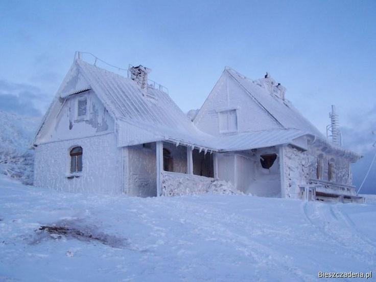 Chatka Puchatka in the Winter, Poland