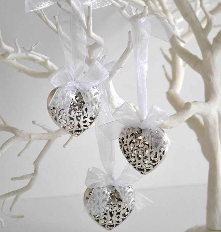 11 best images about christmas home decor white silver for White xmas decorations
