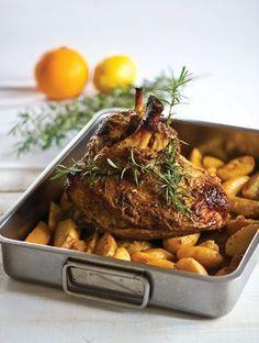 Χοιρινό μπούτι με μέλι, μουστάρδα, πορτοκάλι και πατάτες | Συνταγές, Κόκκινο Κρέας | athenarecipes