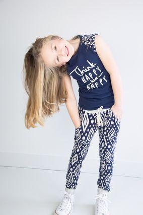 Leuke betaalbare sportieve meisjes broekjes vind je bij online kinderkleding label TOPitm