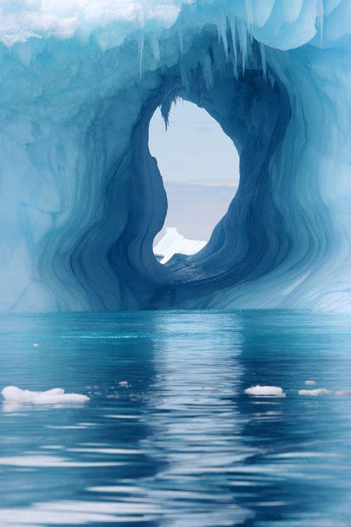 Natural ice sculpture