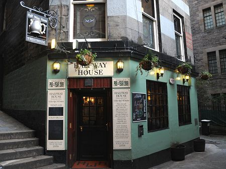 Halfway House: Edinburgh Pub Guide: Undiscovered Scotland