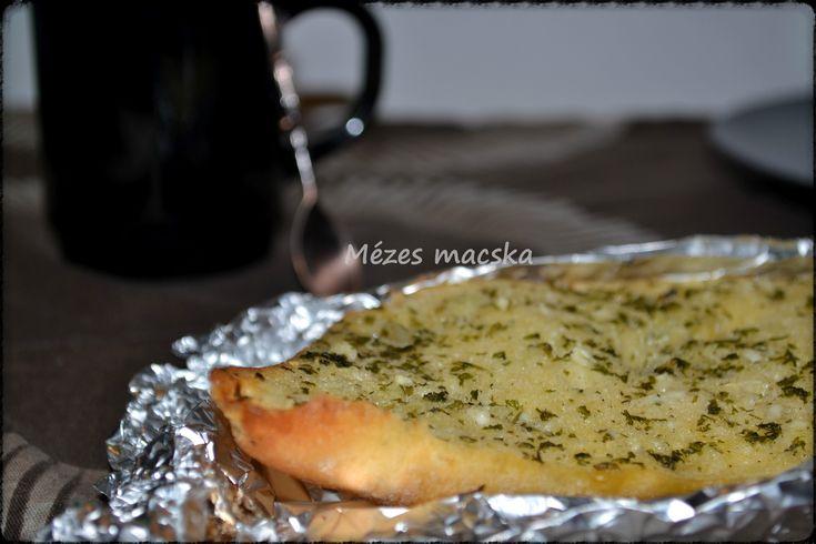 Pirított fokhagymás kenyér - Garlic bread