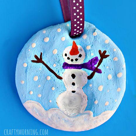 pâte à sel ornement empreintes digitales de bonhomme de neige