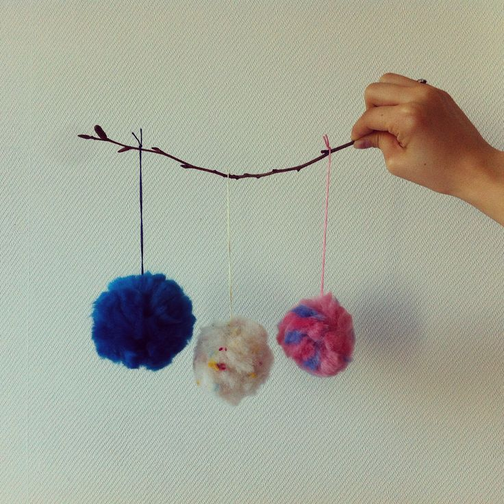 Wool and the Pompom(?).  Little cute wool pompom. Ornament. Handcraft. Mama kong.